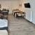 Apartment-Tisch-Kueche-Betten