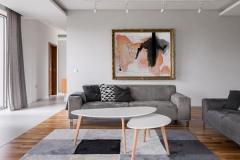 Klassisches Wohnzimmer in Grau